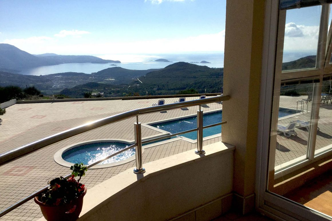 Luxury-Apartment-Petra-view-from-the-balcony-over-the-private-pool-to-the-Dubrovnik-Riviera