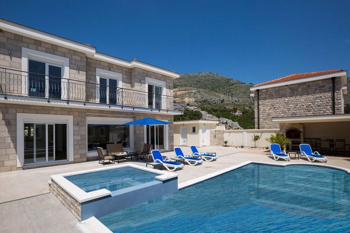 Luxury-Villa-Pavle-with-large-private-pool-and-jet-pool