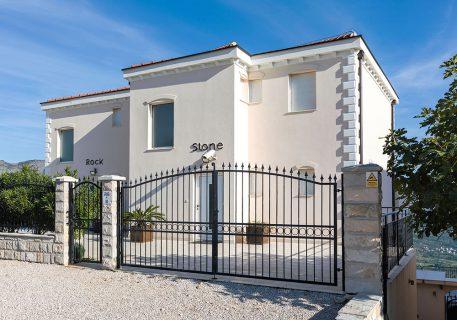 Luxury Villa Stone with plentful parking space