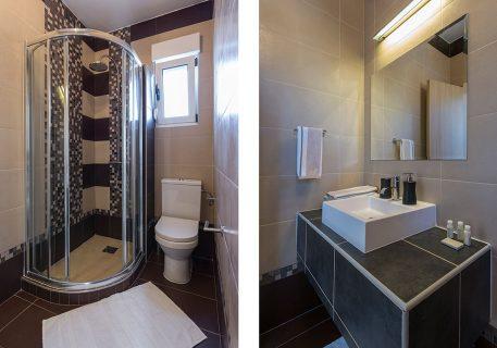 Villa Rock-adjacent bathroom to the twin room