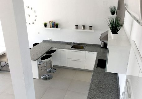 Villa Stone-fully equipped kitchen with dishwasher, toaster and microwave