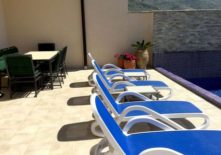 Villa Stone-outdoor living