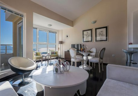 Apartment Alma-modern open plan lounge with wonderfull view to the Adriatic Sea and Dubrovnik Riviera