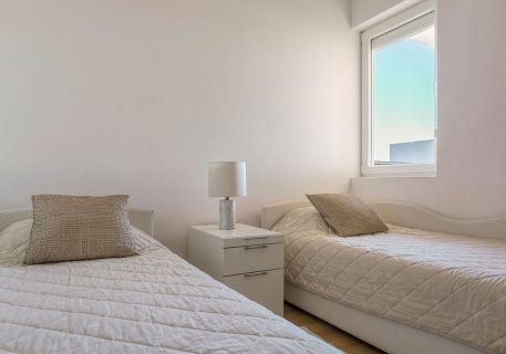 Apartment Lana-Twin room with air-conditioning