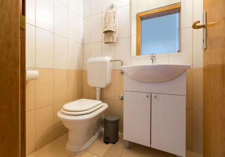 Apartment Nela-adjacent WC and sink