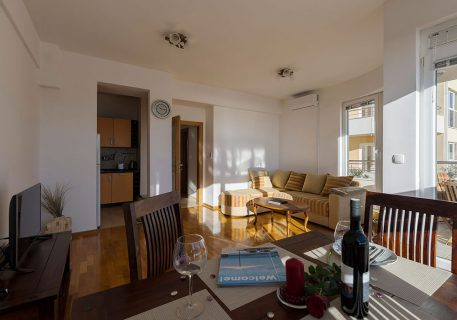 Apartment Nela-lounge with satellite TV, air-conditioning and Wi-Fi