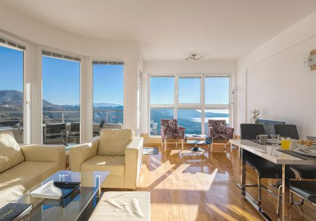 Apartment Petra-open plan living with incredible view to the Dubrovnik Riviera and Adriatic Sea