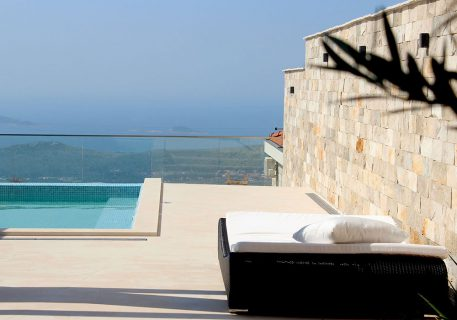 Villa Anna-double sun louder next to the pool and view to the Dubrovnik Riviera to dream of