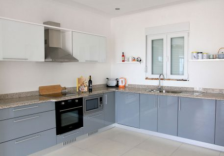 Villa Arc-fully fitted kitchen