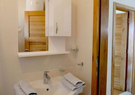Villa Branko-ensuite bathroom to the master bedroom