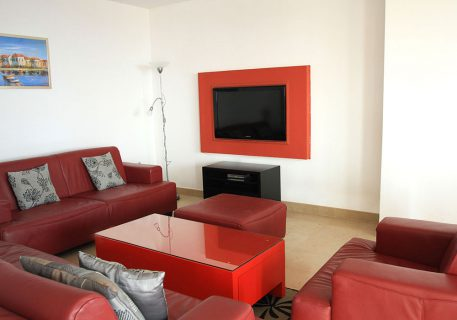 Villa Cruz-open plan lounge with air-conditioning and satellite TV