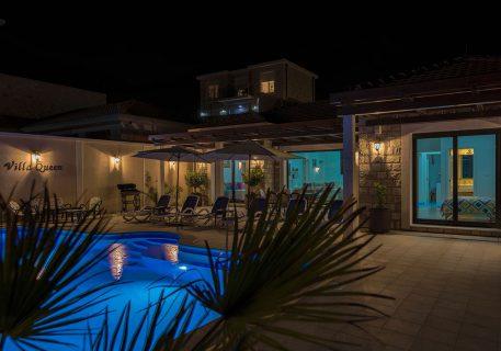 Villa Queen-evening swim in your own private pool