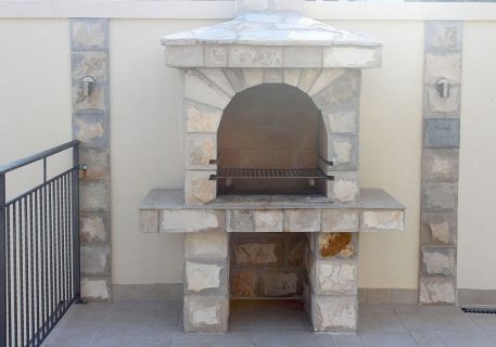 Villa Price-hand crafted family BBQ