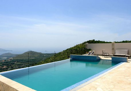 Villa Goja-private infinity pool with uniterrupted view to the Dubrovnik Riviera