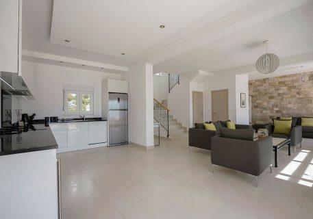 Villa Tamara-modern open plan living with A/C, Wi-Fi and satellite TV