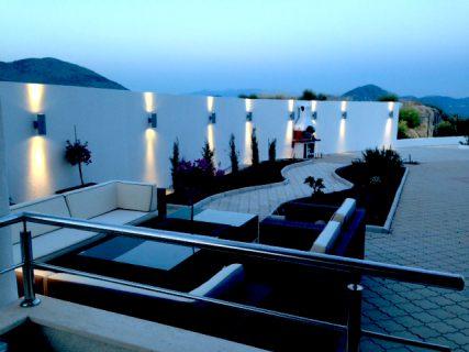 Apartment Lana-luxury outdoor lounge to enjoy next to the pool