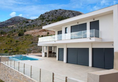 Villa Andrea-extensive terraces showing both pools and outdoor kitchen