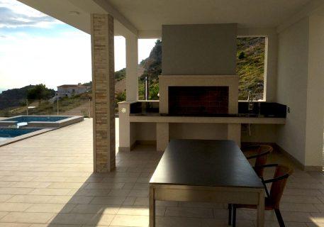 Villa Andrea-outdoor kitchen and BBQ