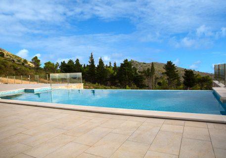 Villa Andrea-Infinity pool size