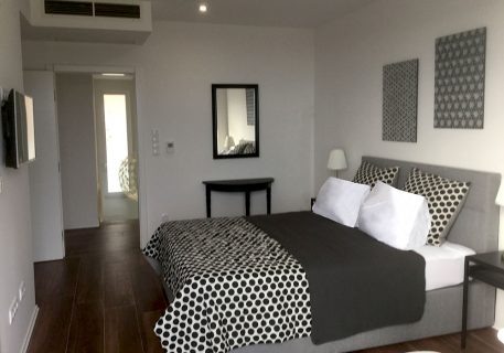 Master bedroom with King-size bed, AC, balcony and view to the Adriatic Sea