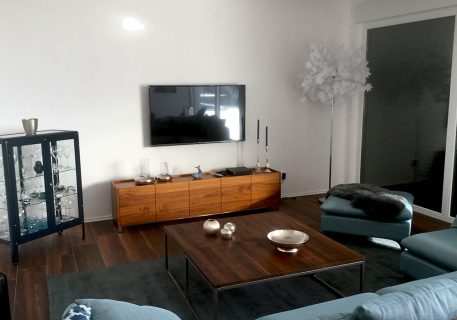 Relax in this incredibly stylish comfy lounge, catch up with friends or on movies on the satellite TV