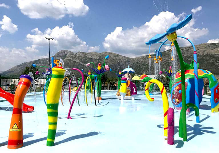 Children's water sprinkler park