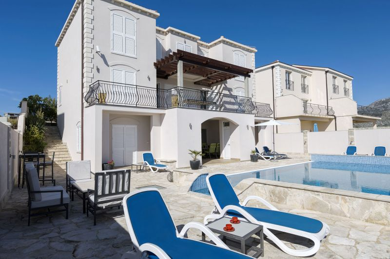 Luxury Apartment Goja-Accommodation offered on the pool level