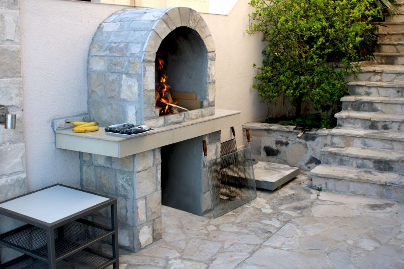Luxury Apartment Goja-Let the men do the cooking and enjoy a Bbq