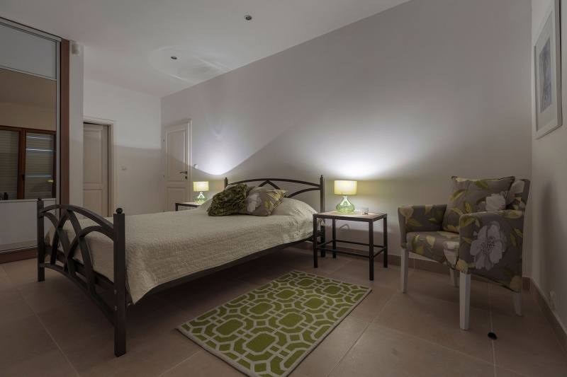 Luxury Apartment Goja-Master bedroom with air-conditioning, built-in wardrobes and en suite bathroom