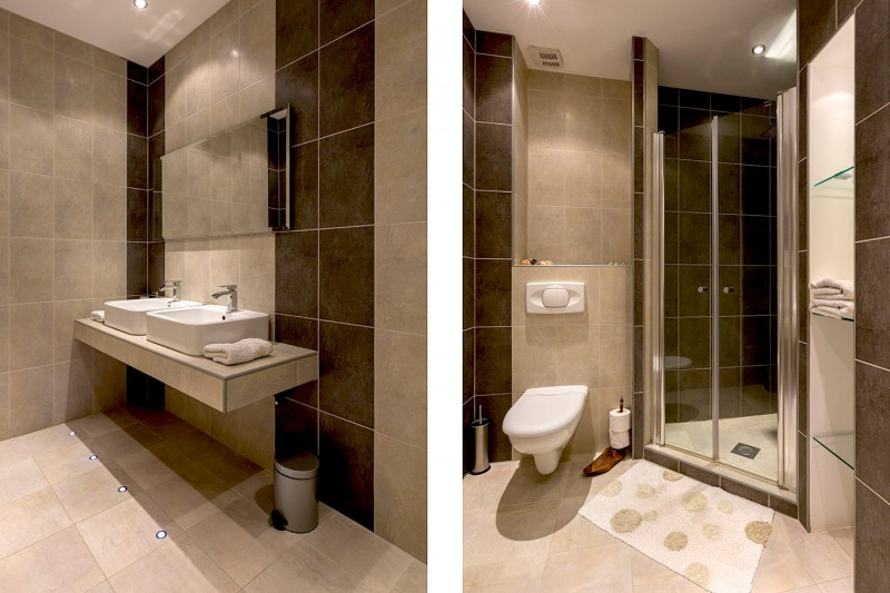 Luxury Apartment Goja-Twin bedroom en suite bathroom with large walk-in shower and 'his and her' sinks