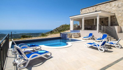 Luxury-Villa-Leni-large-terrace-with-pool-and-Jet-pool-and-view-to-the-Adriatic-Sea-thumbnail