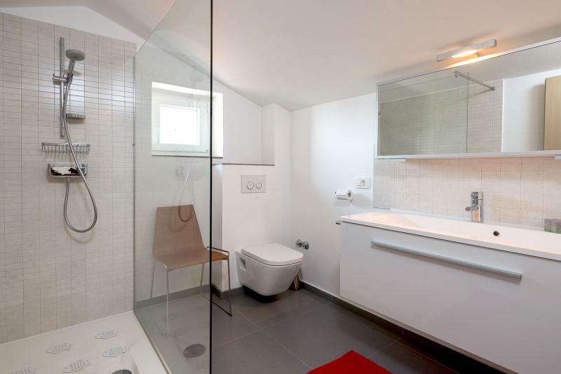 Luxury Villa Zizanj-Bathroom ensuite with large walk-in shower