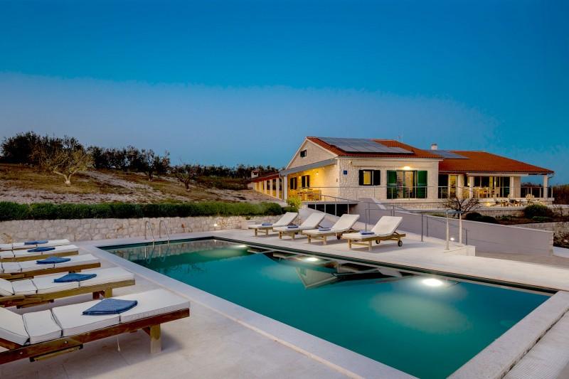 Luxury Villa Zizanj-Beautiful olive groves surround the villa