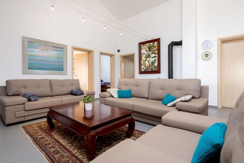 Luxury Villa Zizanj-Secondary lounge with comfortable sofas and TV