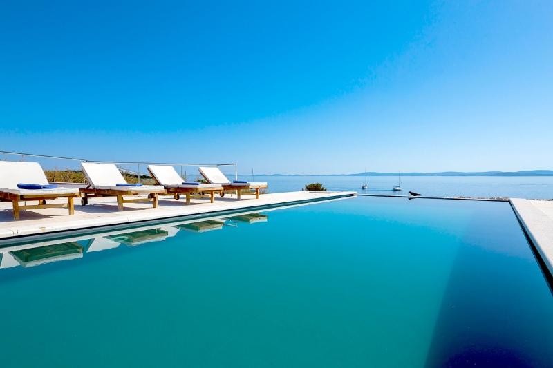 Luxury Villa Zizanj-Where the pool and sea meet the sky